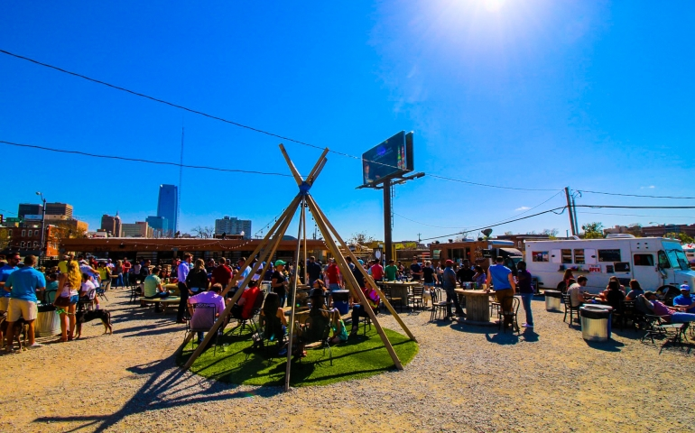 Food Trucks and Outdoor Patio Life